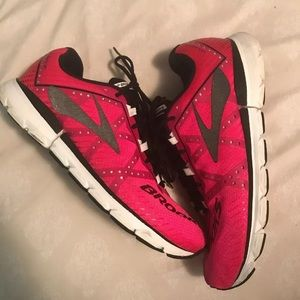 Women's Brooks Running Shoes Size 10.5
